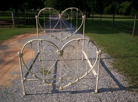 beauitful antique iron bed quot heart shaped headboard