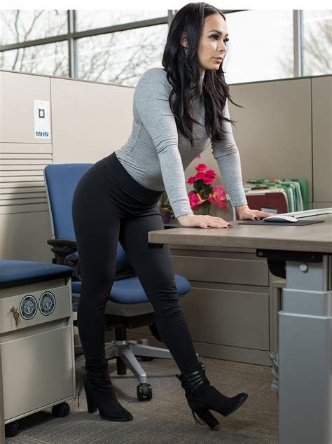 at your desk 6 stretches you can do at your desk