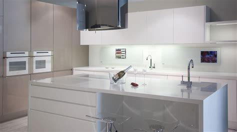 Kitchen With Center Island Livincasa Solu 231 245 Es Perfeitas