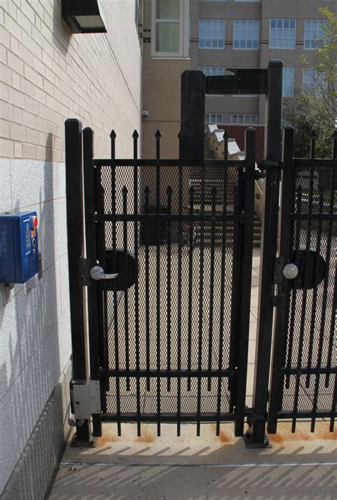 gate house lock i dig hardware 187 active gate has a lever handle lockset and also an electromagnetic