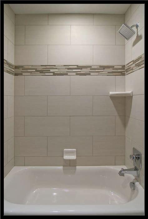 Tile Designs For Bathtub Walls by Best 25 Bathtub Tile Ideas On Bathtub Remodel