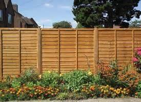 recintare un giardino come fare un cancelletto in legno recinzioni costruire