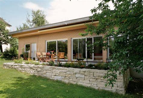 bungalow flachdach bungalow mit flachdach schw 246 rerhaus