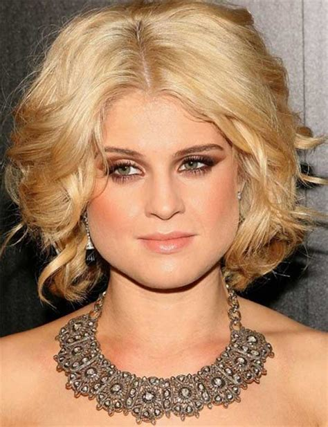 center parted 20 kelly osbourne hairstyles haircuts that will