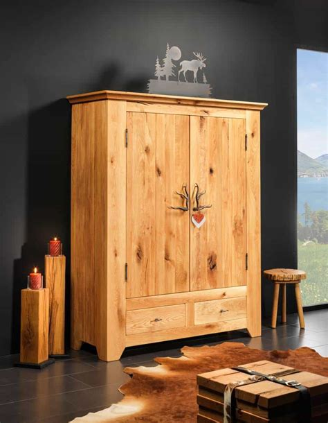 massivholz schrank sedrun rustikaler kleiderschrank aus massivholz