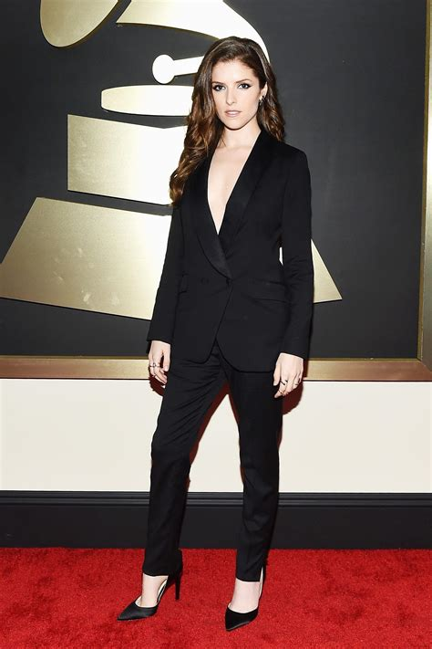 anna kendrick grammy red carpet dress  button black