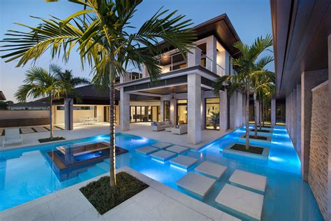 exclusive residence in florida by harwick homes