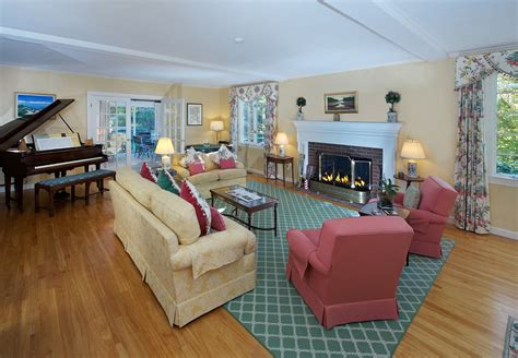 au pair care family room 33 essex hamilton ma farrell coldwell banker boston real estate