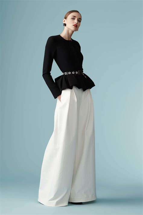 Carolina Herrera carolina herrera resort 2017 collection vogue
