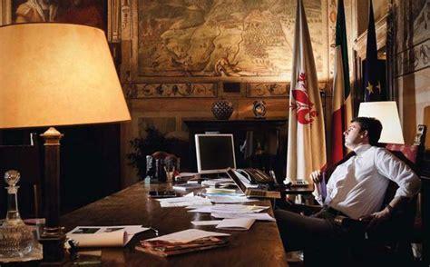 ufficio sindaco un giorno nella vita dell italia