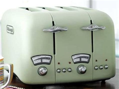 Best Looking Toaster Toasters And Kettles Go Retro At De Longhi S Kitchen Clan
