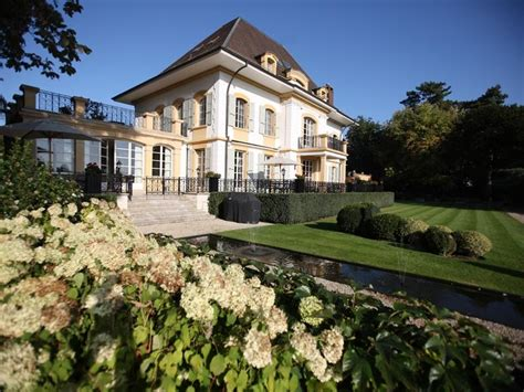 Two Bedroom Suites In New York by Luxury Waterfront Property In Switzerland Homes Of The Rich