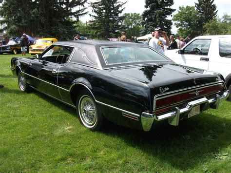 how does cars work 1972 ford thunderbird security system file 1972 ford thunderbird 4793335474 jpg wikimedia commons