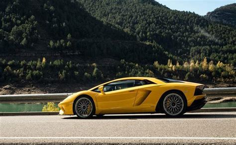New Lamborghini Price Lamborghini Cars Prices Gst Rates Reviews Lamborghini
