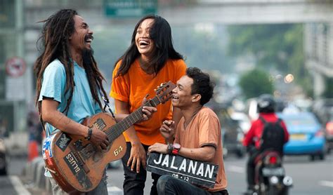 download film indonesia jalanan hello asia iff 2015 review jalanan indonesia 2013