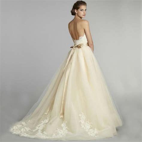 choosing perfect wedding gown cardinal bridal