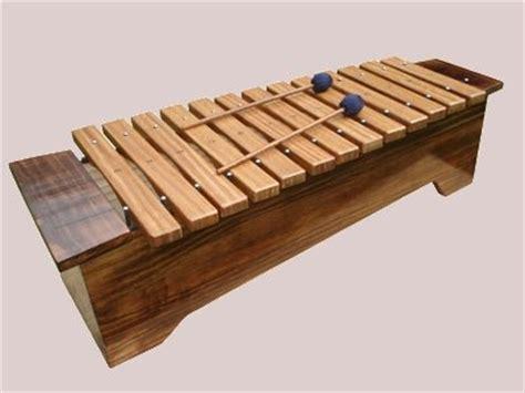 imagenes de instrumentos musicales antiguos xil 243 fonos y metal 243 fonos