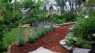 Bark Garden Ideas Bark And Lavender Garden Path
