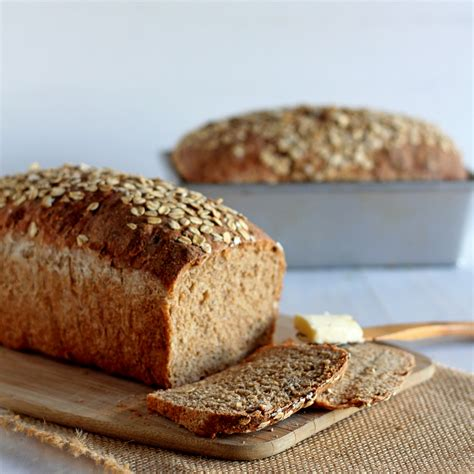2 whole grains whole wheat sandwich bread with oats
