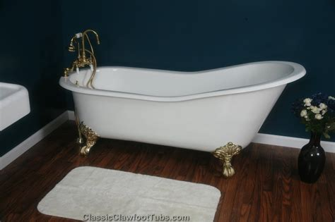 cast bathtub 67 quot cast iron slipper clawfoot tub classic clawfoot tub