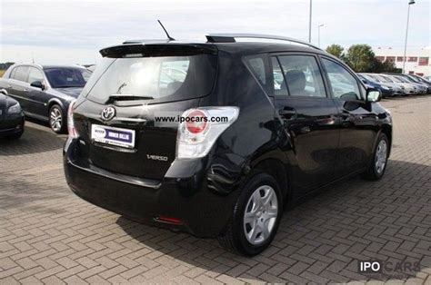 7 Seater Cars Toyota Verso 2011 Toyota Verso 1 6 7 Seater Car Photo And Specs