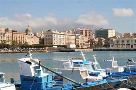 porto di trapani trapani citt 224 sale e della vela turismo e ormeggi