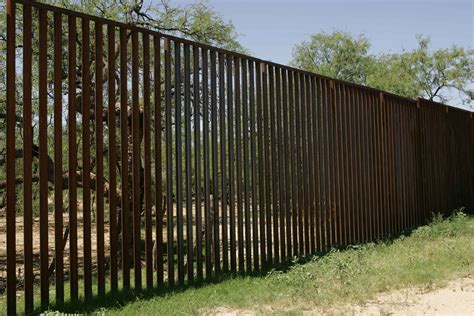 big fence file big high border fence jpg wikimedia commons