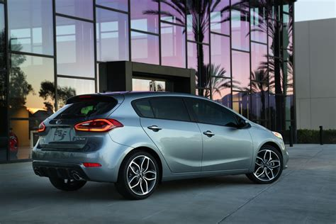 Kia Cerato Hatch New Kia Cerato Hatch Unveiled Photos 1 Of 7
