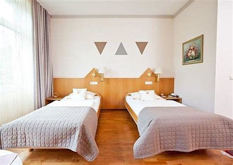 twin bed vs double bed hotel twin bed vs double bed images
