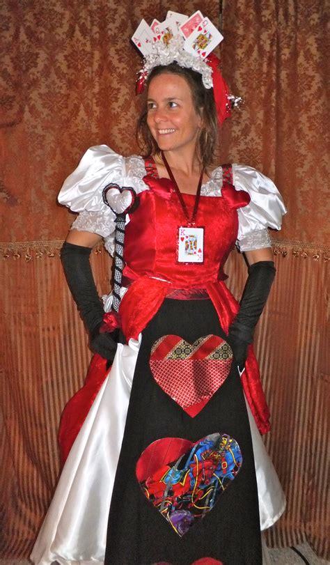 sewing pattern queen of hearts bernina halloween 2011 queen of hearts wedding dress make