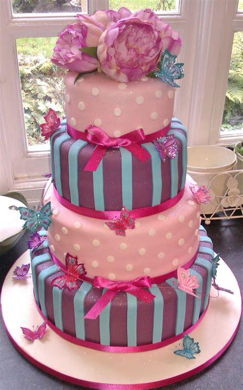 delicious wedding cakes  lancaster  crazy cake company caton