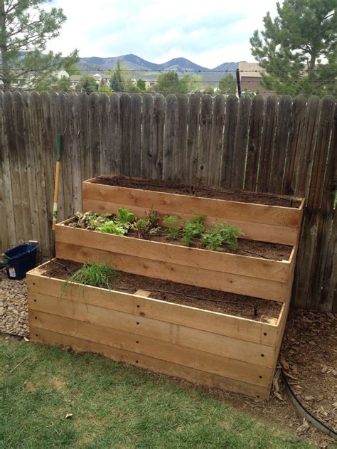 cedar raised bed 25 best ideas about cedar raised garden beds on pinterest