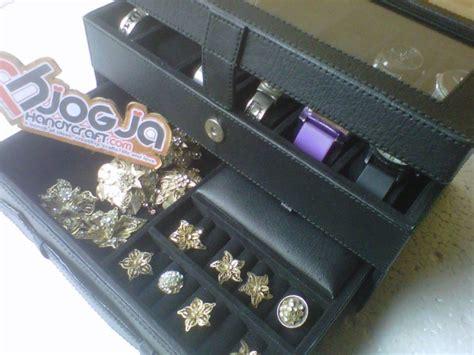 Kotak Tempat Perhiasan Isi Dua Puluh box jam isi 12 plus laci tempat perhiasan