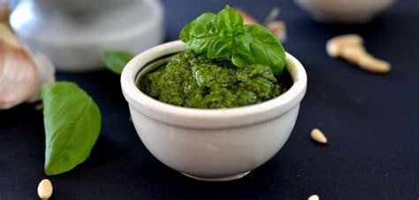 pesto fatto in casa ricetta pesto alla genovese fatto in casa ricetta tradizionale