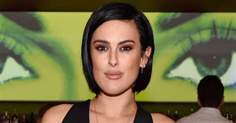 rumer willis reveals shaved hairstyle days after sister tallulah rumer willis short hair cut 2015 hairstyle gallery