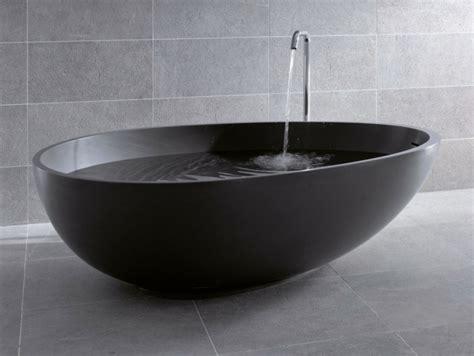 schwarze badewanne freistehende badewanne f 252 r eine luxuri 246 se