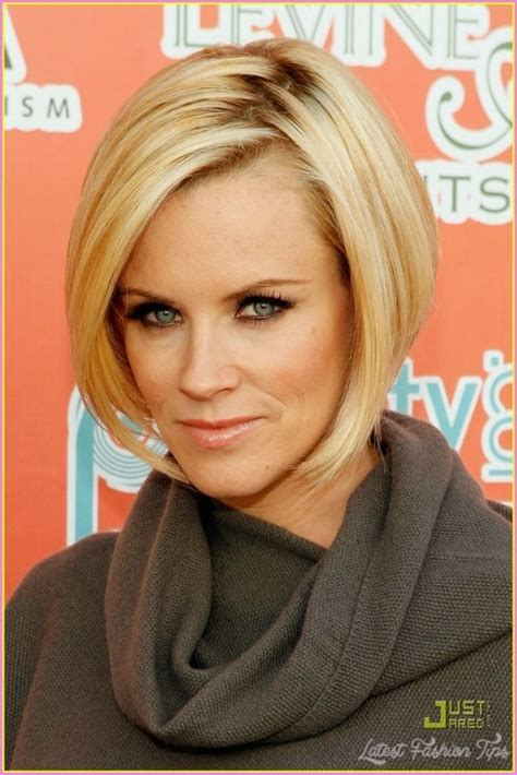 what color is jenny mccarthy hair 25 best ideas about jenny mccarthy bob on pinterest