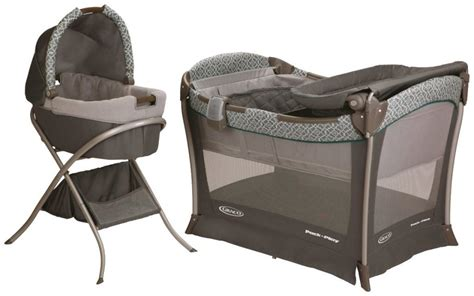 Graco Pack And Play With Bassinet And Changing Table Find The Best Bassinet Oct 2017 Buyer S Guide And Reviews