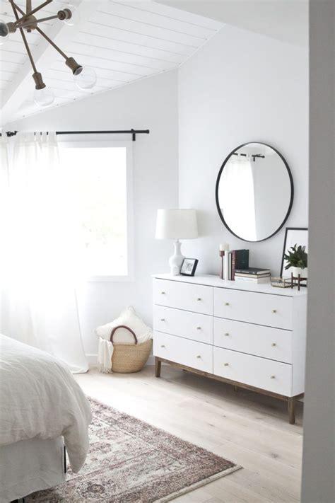 25 beautifully simple rooms that take minimalism to the best 25 minimalist decor ideas on pinterest minimalist
