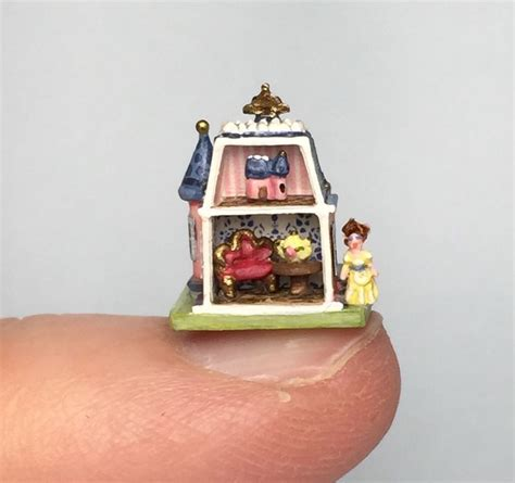 tiny doll house 17 migliori immagini su miniatures 1 on 144 su pinterest miniature dollhouse