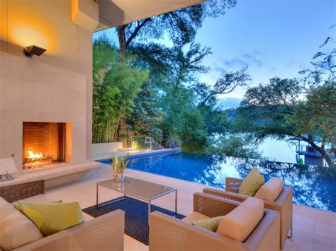 home design reality shows tour a contemporary lakefront home in austin texas 2016