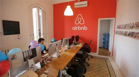 airbnb barcelona airbnb un fen 243 meno comercial y social entre todos el