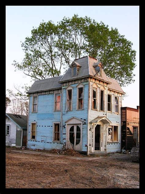 mansard roof definition and advantages southern castles and 161 best abandoned and awesome houses images on pinterest