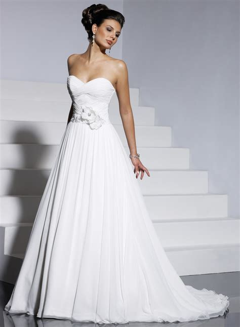 Non strapless wedding dress Photo ? 1 ? Wedding Dresses