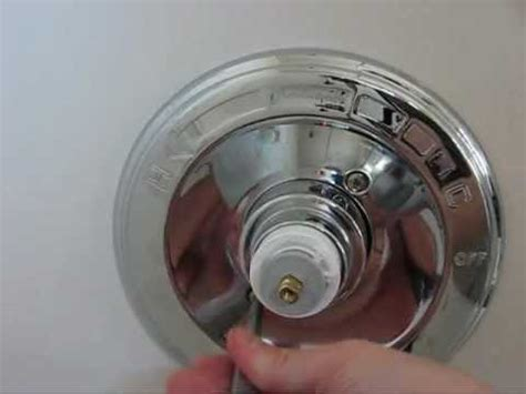 How To Fix A Leaking Bathtub Faucet How To Fix A Leaking Delta 1400 Series Tub Shower Faucet