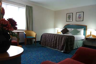 comfort hotel heathrow heathrow airport hotels compare and save up to 60