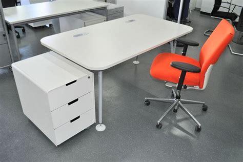Büromöbel Design by Design Vitra Design M 246 Bel Vitra Design M 246 Bel Vitra
