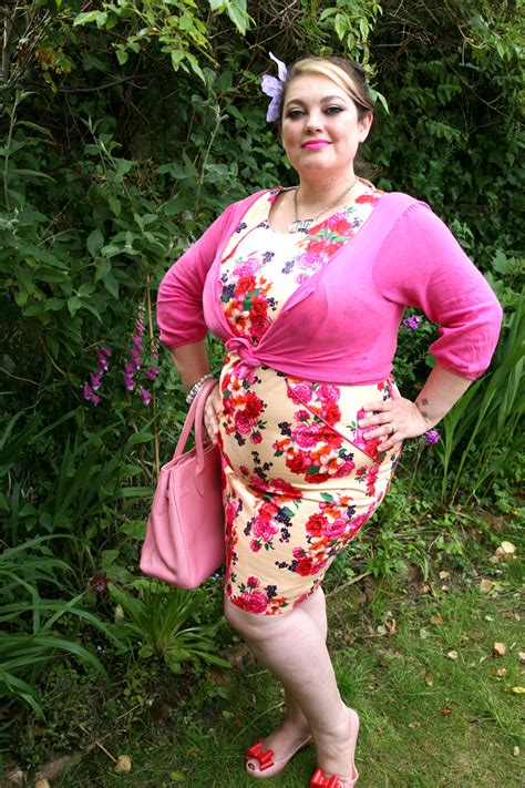 fashion pictures for short fat women over 50 how to dress over 50 and overweight 2018 plus size women