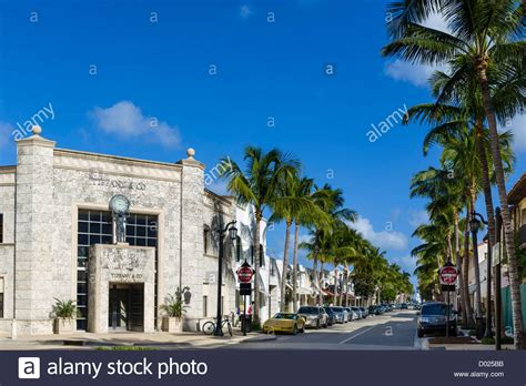 worth avenue stores on worth avenue in downtown palm beach with tiffany