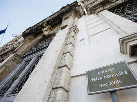 sede della corte costituzionale popolari la trasformazione in spa resta sospesa decide